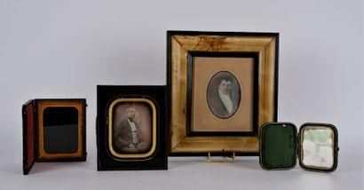 PHOTOGRAPHIES  Lot de trois daguerréotypes...