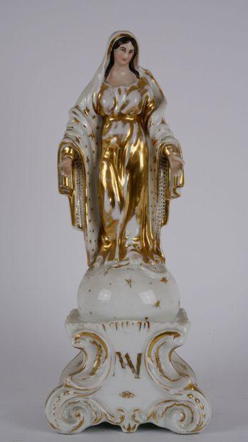 PARIS.  Vierge en majesté en porcelaine polychrome...