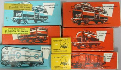 Lot de 6 wagons marchandises,