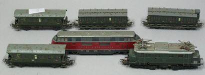 Lot (6) de 2 machines et wagons