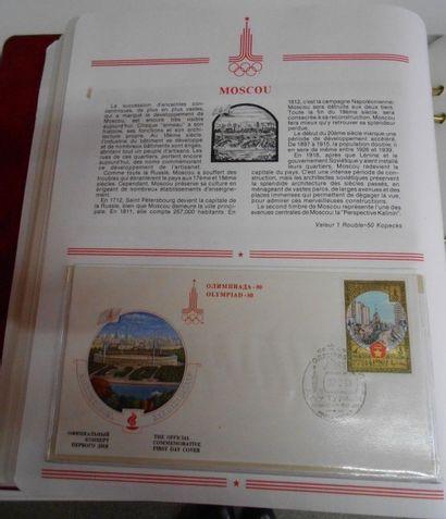 PHILATELIE : Ensemble de 3 Volumes. Timbres Modernes Etrangers, Thématiques dont...