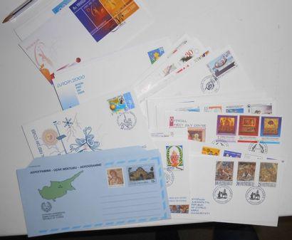 PHILATELIE : **. Boite et Vrac. France, Polynésie Française, Europe et Divers. Période...