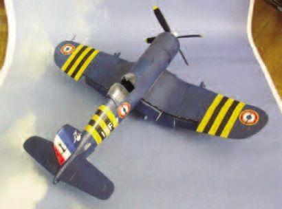 1 MAQUETTE : Corsair Aéronavale. Maquette...