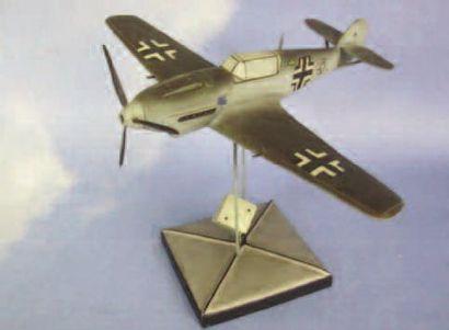 1 MAQUETTE : Messerschmitt BF 109E. Grand...