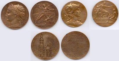 Lot de 44 plaquettes et médailles en bronze,...