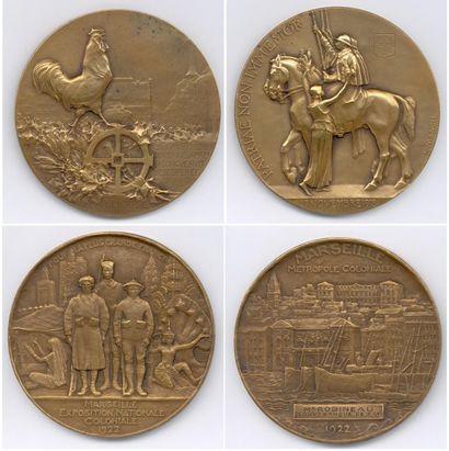 Lot de 10 médailles en bronze et métal blanc...