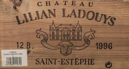 12 bouteilles de Château Lilian Ladouys,...
