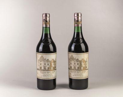 2 bouteilles de Haut Brion, 1er grand cru...