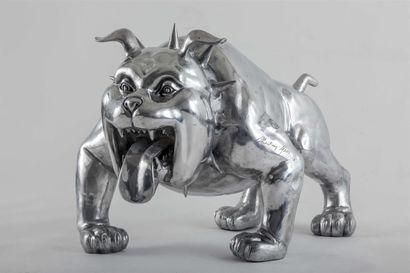 Christian MAAS (Né en 1951). Bulldog en aluminium....