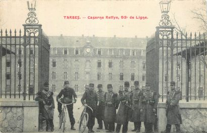 129 CARTES POSTALES MILITARIA : France. Dont