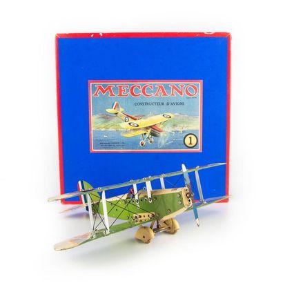 MECCANO, SPAD 91, avion en tôle vert et crème. Quelques griffures. Milieu des années...
