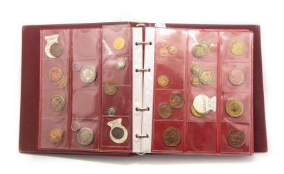 Album de monnaies anciennes comprenant notamment...