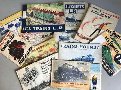 Ensemble de catalogues de trains électriques...
