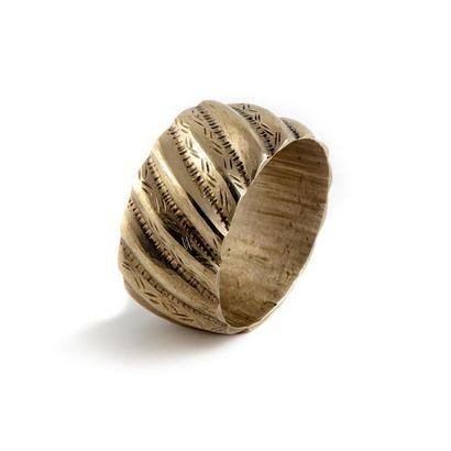 Bracelet manchette en H en bronze argenté....