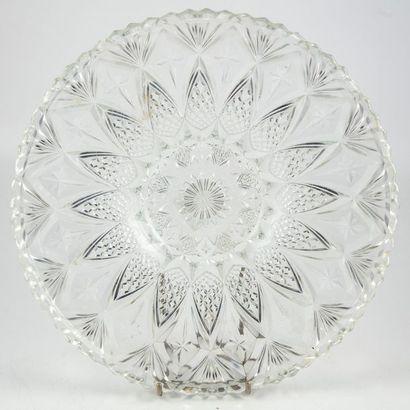 Paire de coupes en cristal taillé D.: 32...