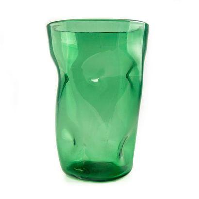 Grand vase en verre de couleur verte à décor...