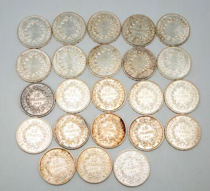 Lot de 23 pièces de 10 francs argent