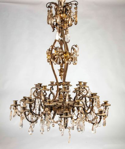 Important lustre de style Louis XVI à dix-huit...
