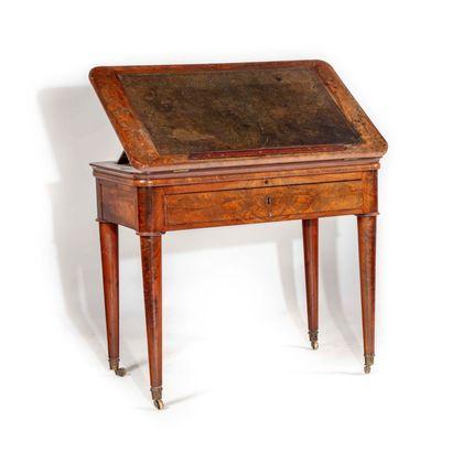 Table « à la Tronchin » en bois de placage,...