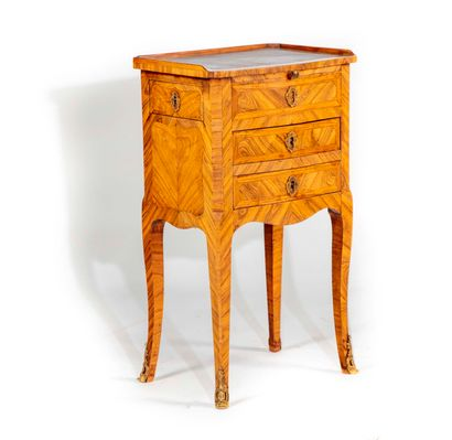 Petite table à écrire en bois de violette...