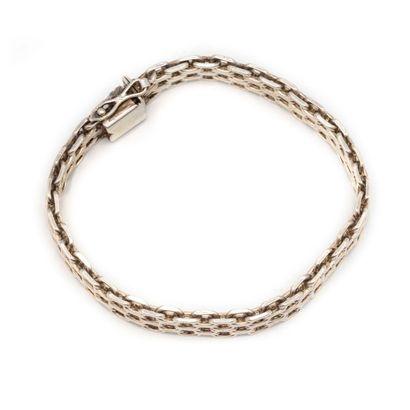 Bracelet gourmette en argent à maillons articulés...