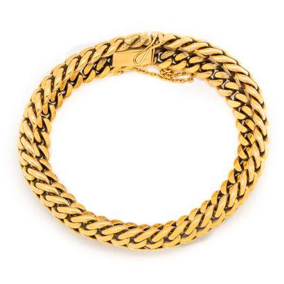 Bracelet en or jaune souple à 3 rangs de...