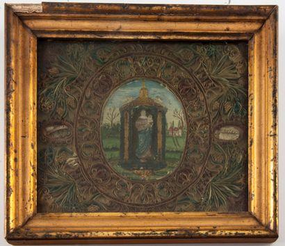 Reliquaire paperolles centré d'une Vierge...