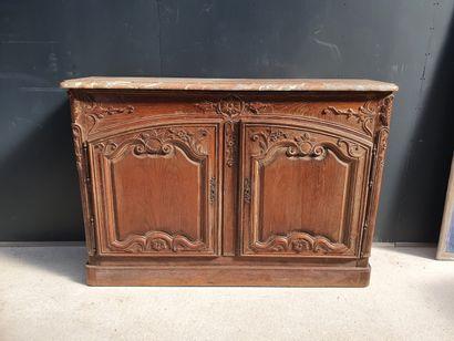 Important meuble de chasse en bois naturel...