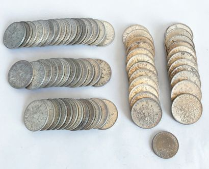 Lot comprenant 63 pièces de 5 francs datées...