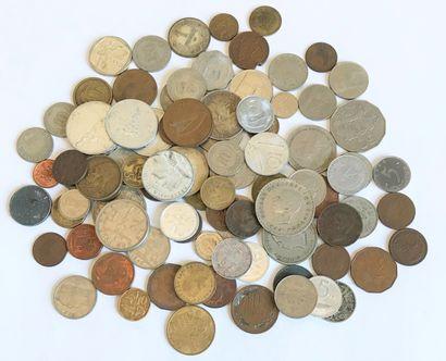Ensemble de pièces de monnaie de divers pays...