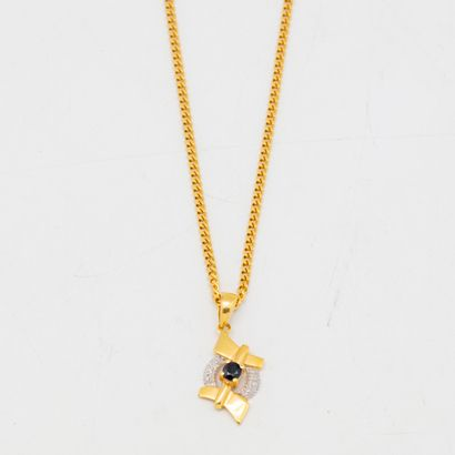 Chaine en or et pendentif en or orné d'une...