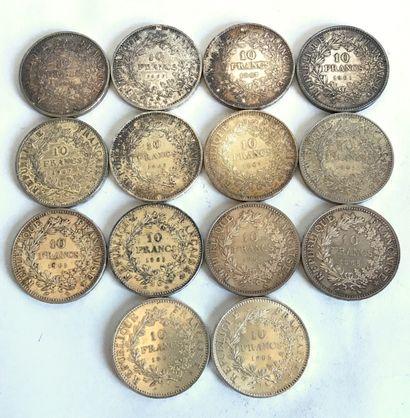 Lot comprenant 14 pièces en argent de 10...