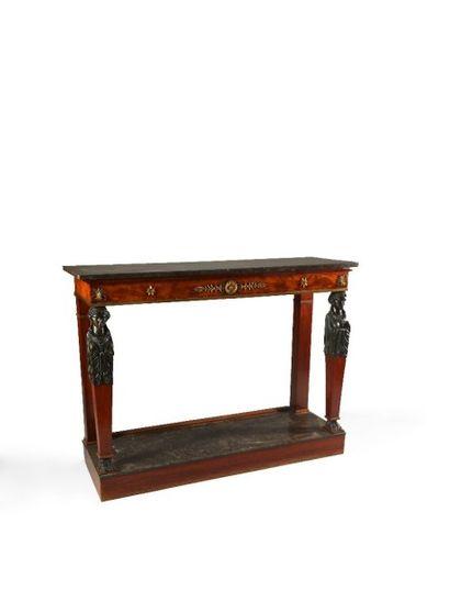 Belle table-console en acajou, les montants...