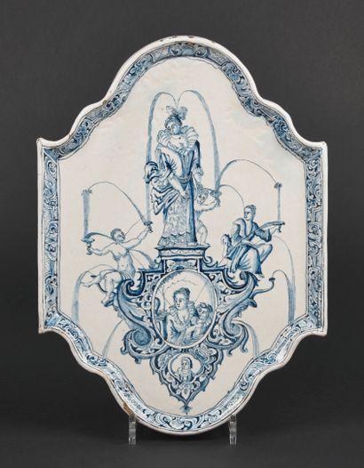 Delft  Plaque ovale à bord contourné en faïence...