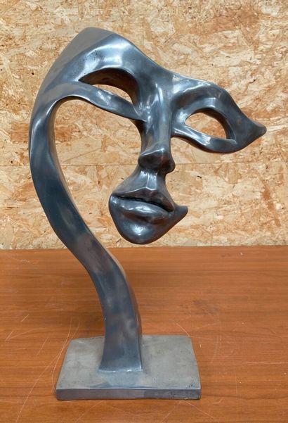 Nathalie CROISET  Masque  Epreuve en aluminium. Signé sur la base.  Pièce unique...