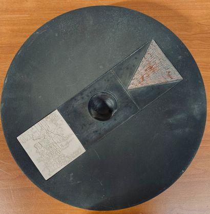 Tjok DESSAUVAGE  Journal d'un xylographe  Technique mixte. Signé sous la base.  Diam....