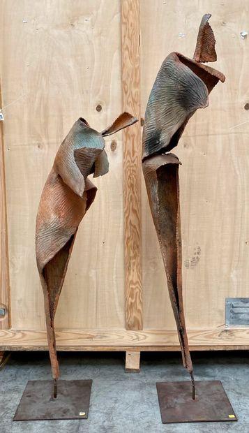 Myriam DELAHOUX  Grand flamenco, 2004  Deux sculptures en terre cuite émaillée et...