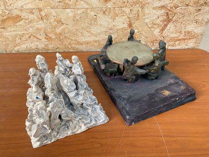 ECOLES CONTEMPORAINES  Deux sculptures en terre cuites émaillés, l'une représentant...