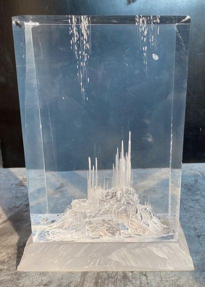 Paule BATHIARD  Cité de lumière  Epreuve en cristal de synthèse (PMMA)  49 x 29...
