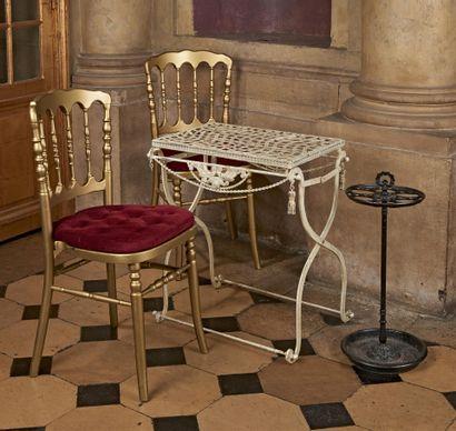 ENSEMBLE comprenant : paire de chaises Charivari...