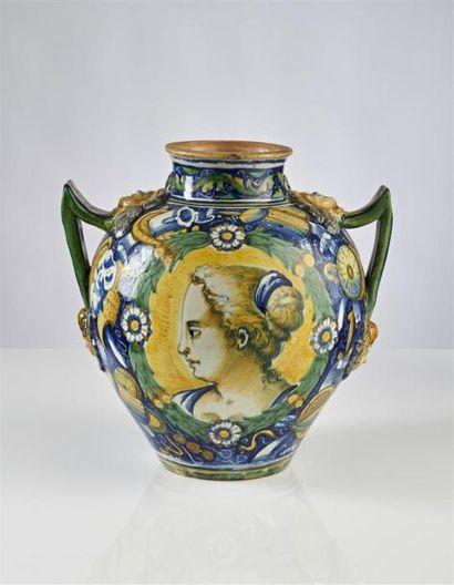 VENISE Grand vase ovoïde en majolique à deux...
