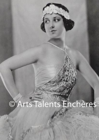 NICKOLAS MURAY  Portraits de Florence Walton...