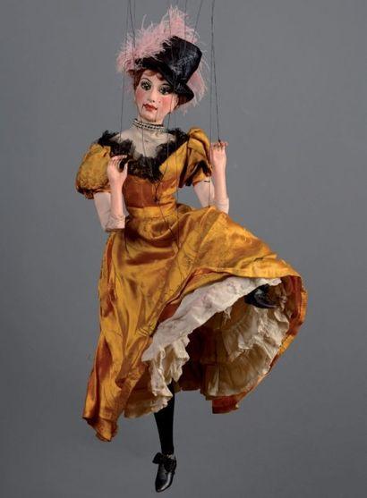 MARIONNETTE À FILS COMPAGNIE PAJOT-WALTON'S Personnage: Danseuse de Cancan. 60 cm....