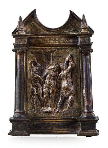 BAISER DE PAIX en bronze doré représentant...