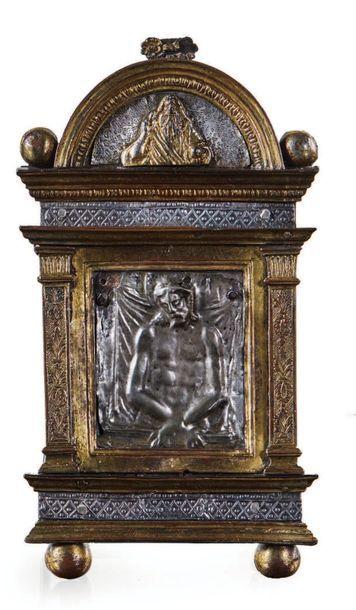 BAISER DE PAIX en argent et bronze doré figurant...