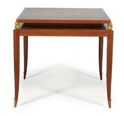 TABLE À JEU en placage de palissandre, plateau...