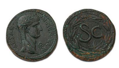 LOT DE 12 MONNAIES: Moyens bronzes: 5 exemplaires....