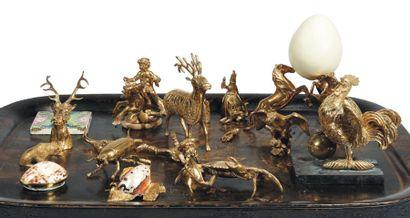 ENSEMBLE D'OBJETS en laiton ou bronze doré...