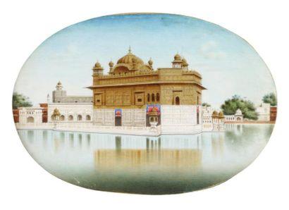 Vue du Harmandir Sâheb, dit Temple d'Or, à Amritsar. Peinture ovale sur plaque d'os...