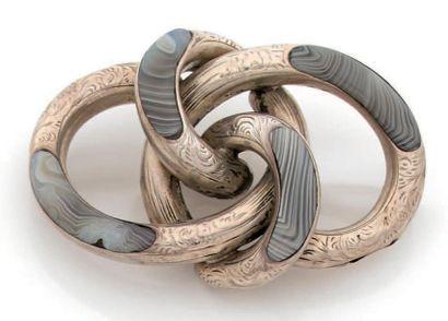 BROCHE en argent formée de motifs tubulaires...